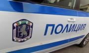 Жена открадна 22 000 долара от паркирана кола в Бургас