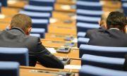 Парламентът отхвърли Sputnik V: България ще купува ваксини, само след консултации с ЕК