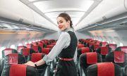Пътник засне тайната стая на стюардесите и пилотите