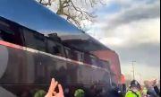 Ливърпул бере срам заради феновете си, атакували автобуса на Реал Мадрид (ВИДЕО)