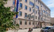 Роми и пенсионер дариха по 250 лева на сливенската болница