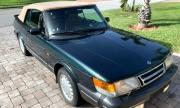 Някой да търси класически открит Saab на 34 хил. километра?