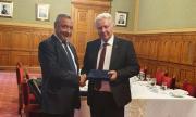 Унгарският парламент с приветствие към България, Валери Симеонов лично поздравен от Орбан
