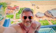 Юлиян Вергов посреща 50-и рожден ден на лодка