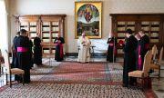 Ватиканът започва ваксинация на бездомниците в Рим