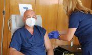Мутафчийски и още 11 от ВМА си поставиха трета доза ваксина
