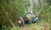 Трактор се преобърна в дере, загина мъж