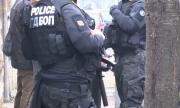 Разбиха организирана престъпна група в Добрич, иззеха много оръжия