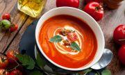 Рецепта за вечеря: Супа със сушени домати и билкови крутони