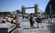 Великобритания отлага падането на ограниченията