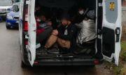 Арестуваха българин, опитал да прекара 13 нелегални мигранти през страната