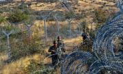 Северна Македония задържа 60 мигранти на границата