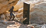 Откриха мистериозен метален монолит в планините на Юта