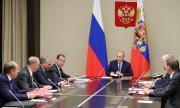 Русия е уморена след месец и половина неработни дни