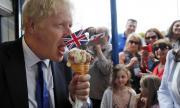 Борис Джонсън се отърва от челен удар с правосъдието