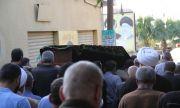 Мъртвец се размърда в отворен ковчег минути преди погребението (ВИДЕО)
