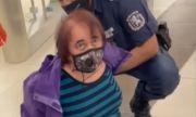 Полицаи събориха и арестуваха стара жена в метрото (ВИДЕО)