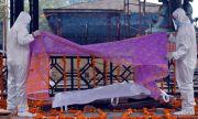 """Индия в хватката на вируса: """"Само вярата ни кара да продължаваме"""""""