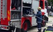 Патрулка с полицаи се запали