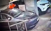 Собственичка на Tesla хвана крадци със смартфона си
