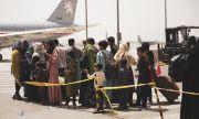 """""""Уолстрийт джърнъл"""": САЩ ще подновят евакуационните полети от Афганистан"""