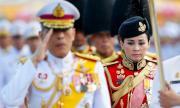 Кралят на Тайланд се ожени за генерал