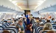 Разпалена двойка се награби безсрамно пред пълен с пътници самолет (СНИМКА)