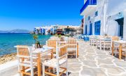 Гърция няма да отваря заведенията преди Великден