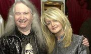 Почина автор на големи хитове на Бони Тайлър и Селин Дион (ВИДЕО)