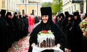 Руска монахиня кара S-Klasse за €120 хиляди