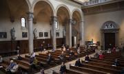 Най-малко 40 са с положителни проби за Ковид-19 след църковна служба