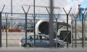 Трима под карантина опитаха да напуснат страната