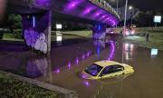 Над 140 сигнала за щети от бурята в София