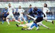 Интер крачи уверено след Милан в Серия А с нов успех