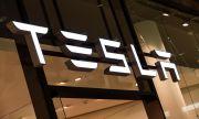 Tesla се срина с $305 милиарда
