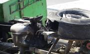 Камион се преобърна край Исперих, водачът е с опасност за живота