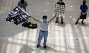 Зад завесата на протестите в Хонконг