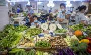 """Пекин се завръща към нормалния живот! Емблематичният пазар """"Синфади"""" отново отвори врати"""