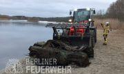В Германия, от дъното на езеро, извадиха... гърбав Запорожец (ВИДЕО)