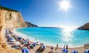 Туристите бягат от гръцките острови