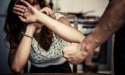 Задържаха 48-годишен, насилвал системно съпругата си