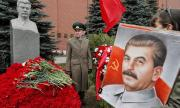 Правнукът на Сталин съди баща си за наследство в Русия