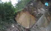 Тонове скали паднаха на пътя край Велико Търново