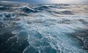 Атлантическият океан се задъхва от пластмаса