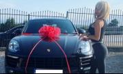 Бизнесмен подари Porsche на наша миска
