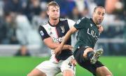 Манчестър Юнайтед започва офанзива за Матайс де Лихт