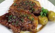 Рецепта за вечеря: Сочни пържоли с чесън