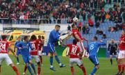 Тестват футболистите в България за COVID-19 всяка седмица