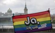 В Швейцария: 2/3 от хората одобриха въвеждането на еднополовите бракове на референдум