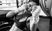 Най-сексапилната боксьорка пак провокира мъжете с перфектното си тяло